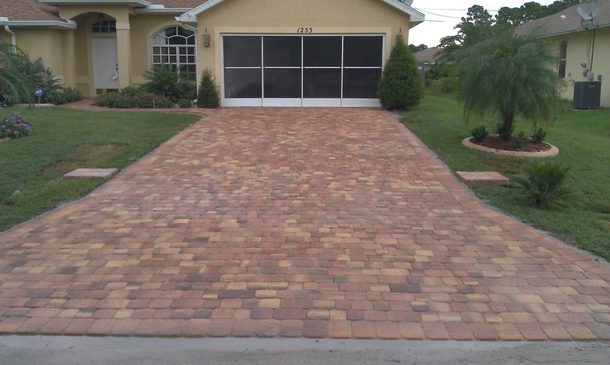 Driveways Encompass Brick Pavers